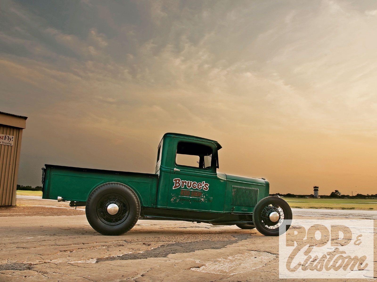 Sunday 5 – Hot Rod Pickup's